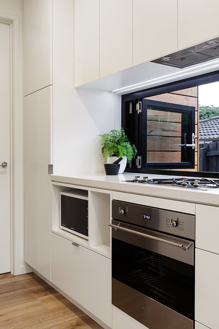 Black Rock Extension Contemporary Kitchen Melbourne By Chisholm Constructions