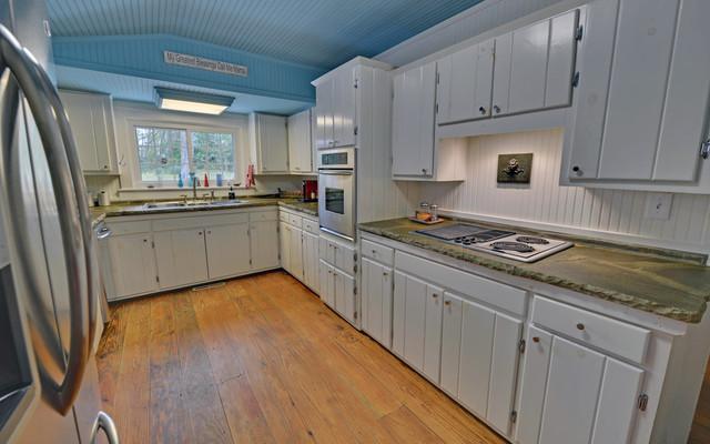 Blue Ridge Georgia Custom Homes  Traditional  Kitchen  Atlanta  by