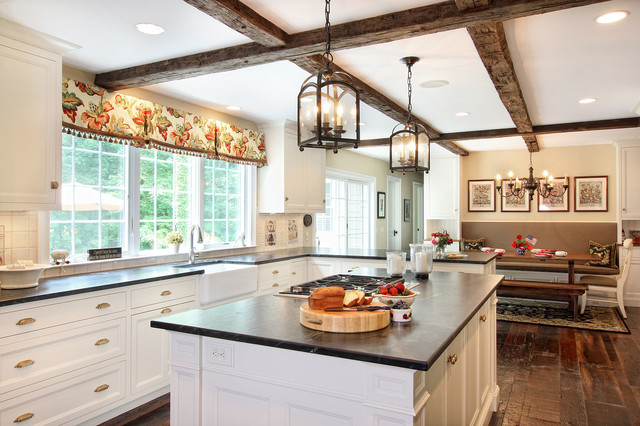 Bon Telich   Traditional   Kitchen   New Orleans   By Oivanki Photography.  Lantern Light Over Island ...