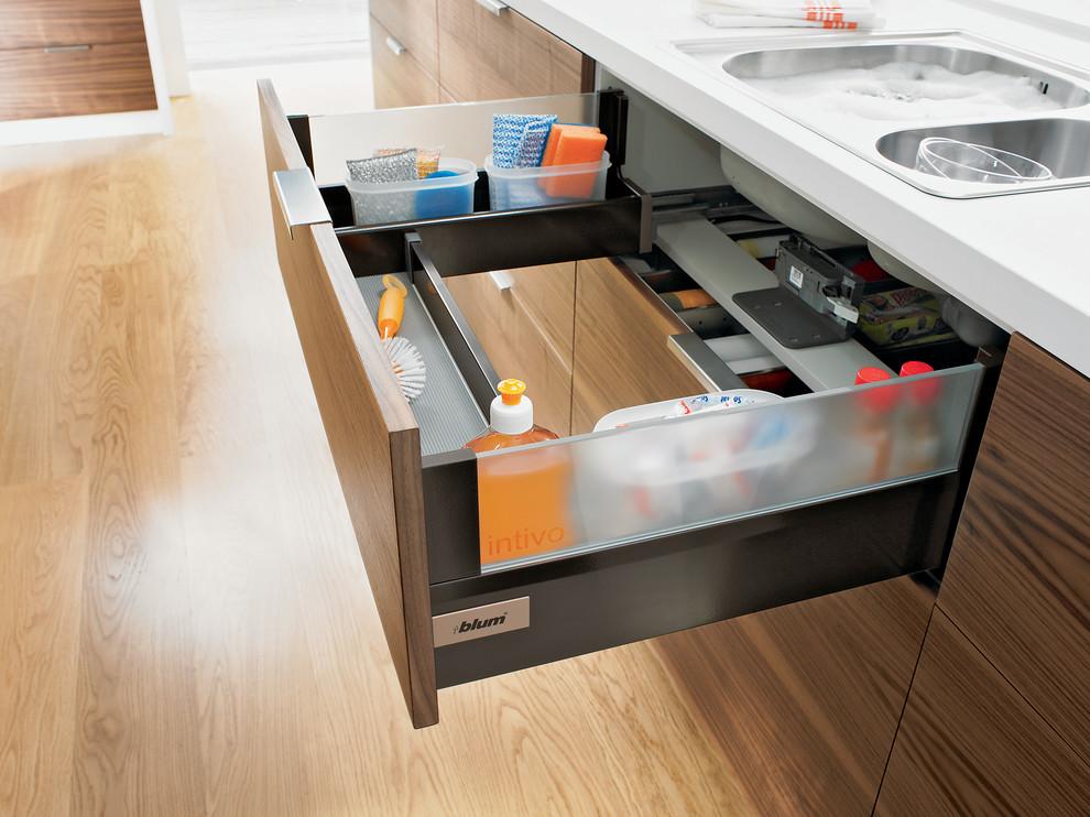 Trendy kitchen photo in Melbourne
