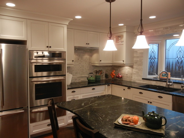 Bonaventure Traditional Kitchen Calgary By A Collaborative Design Group