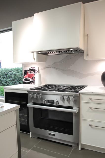 Miele Classic Pro Kitchen Transitional Kitchen tampa