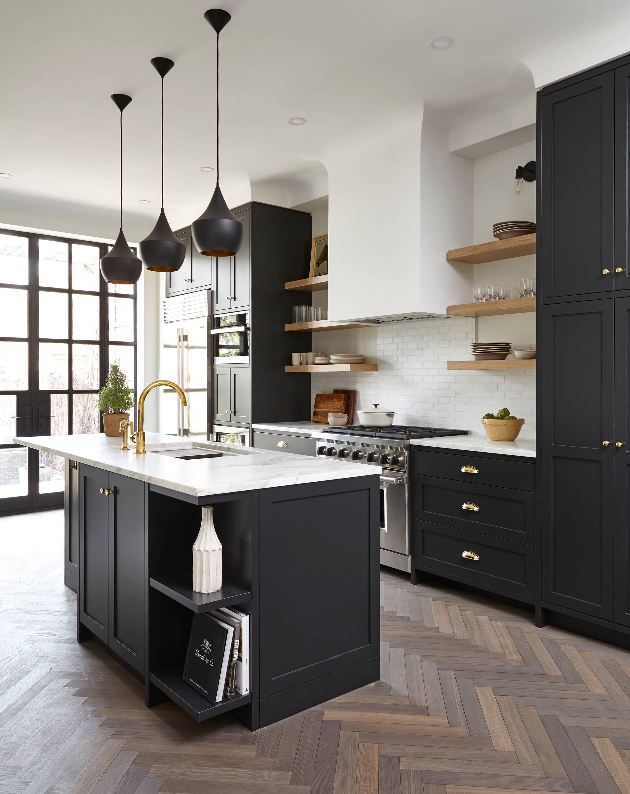 75 Beautiful Transitional Enclosed Kitchen Pictures Ideas April 2021 Houzz