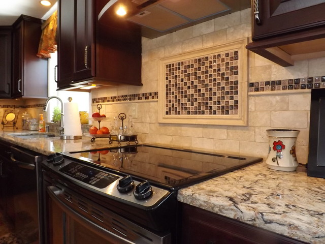 Border backsplash design - Traditional kitchen tile backsplash ideas ...