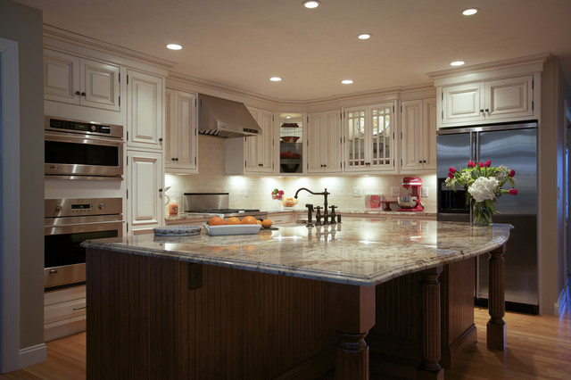 Boxborough traditional kitchen