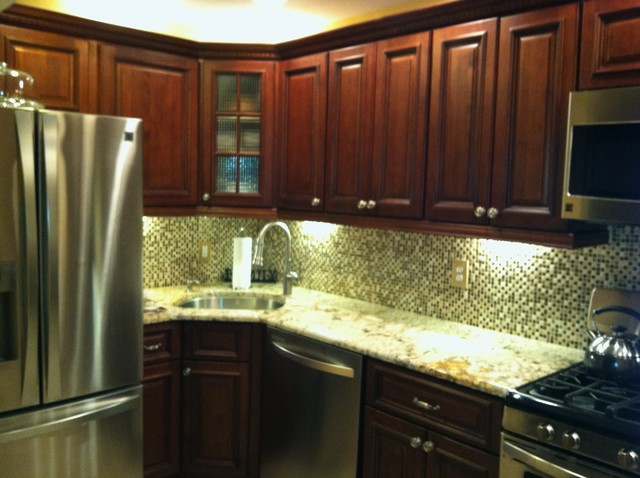 Brandywine rta kitchen cabinets traditional kitchen for Brandywine kitchen cabinets