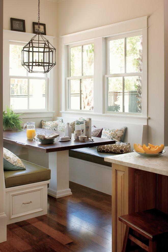 Elegant eat-in kitchen photo in New Orleans