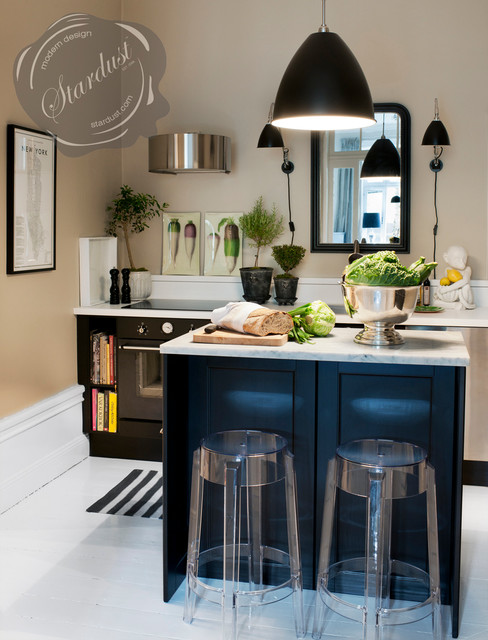 Charming Breakfast Nook With Transparent Kitchen Counter Bar Stools: Kartell Charles  Ghos Traditional Kitchen