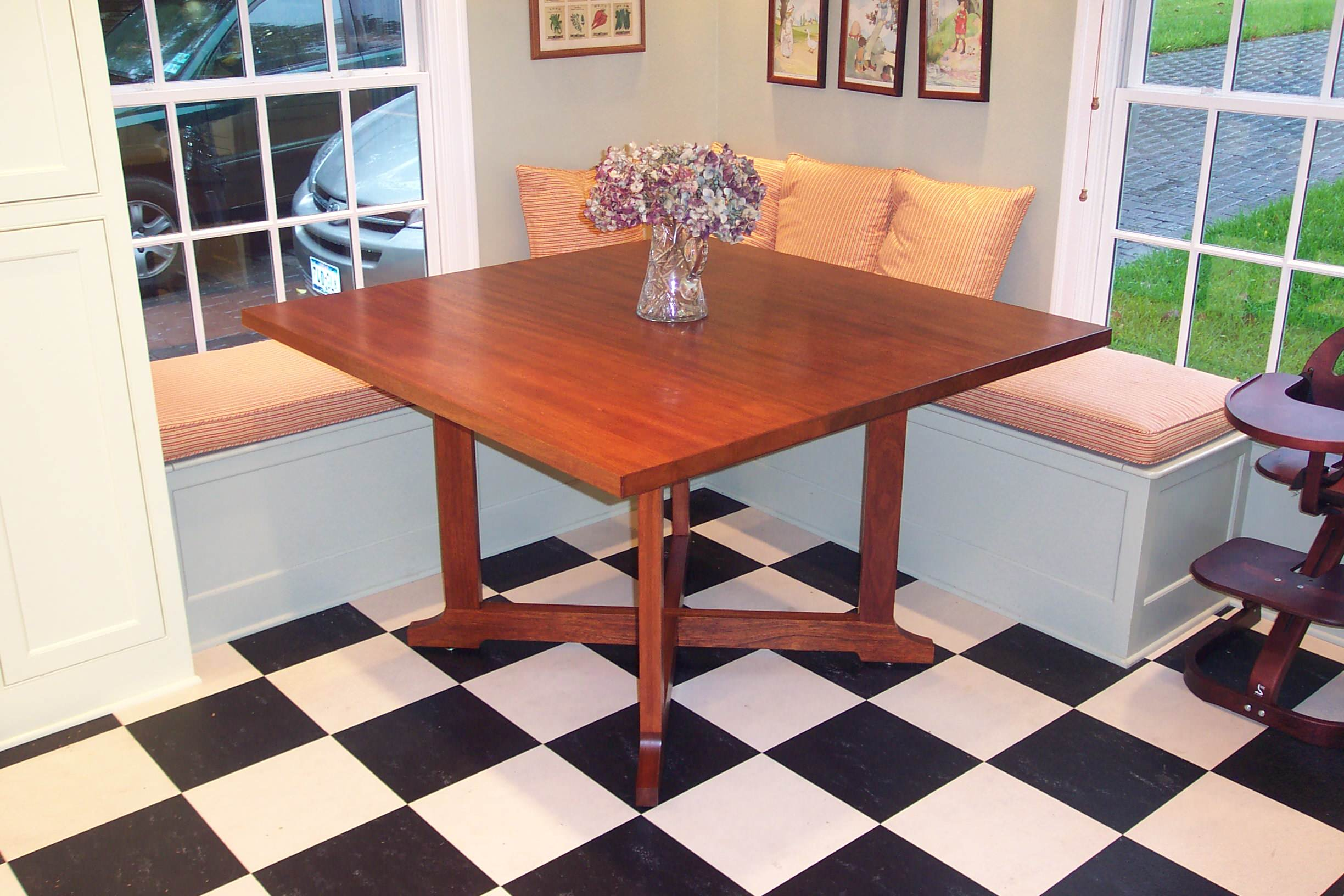 Small Dining Spaces