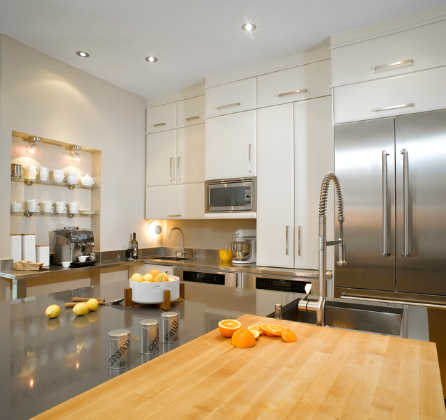 Large Modern L Shaped Light Wood Floor Eat In Kitchen Idea In Montreal With