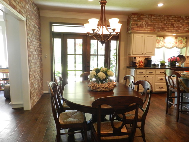Breezy Bend - Katy traditional-kitchen