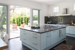 What Kitchen Countertop Color Should You Choose?