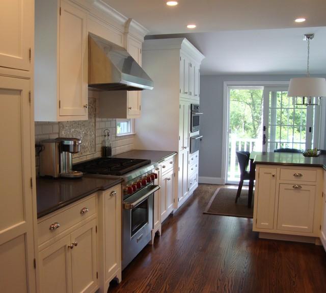 Brewster traditional-kitchen