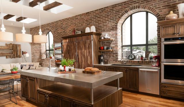 Brick accent wall kitchen for Eldorado stone outdoor kitchen cabinet