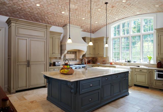 brick arched ceiling in kitchen klassisch k che. Black Bedroom Furniture Sets. Home Design Ideas