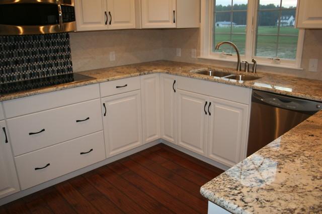 Bridgville traditional-kitchen