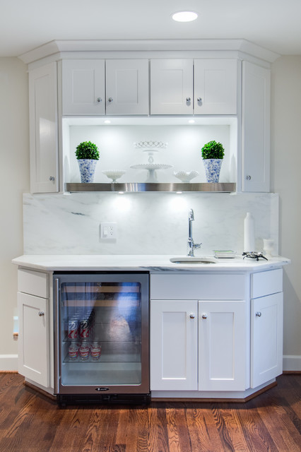 Bright And Modern Dallas Kitchen Featuring Wolf Classic