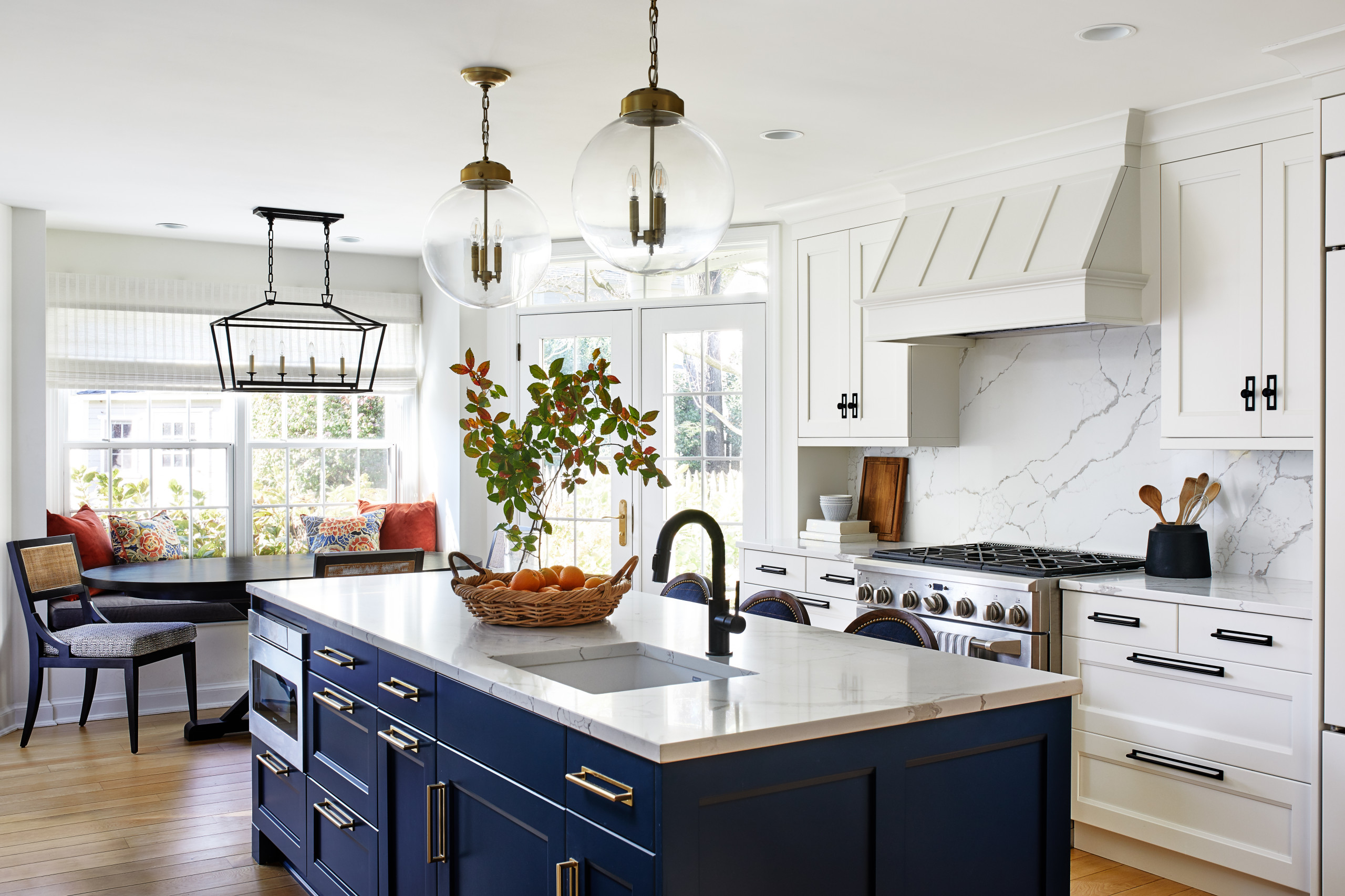75 Beautiful Traditional Kitchen Pictures Ideas July 2021 Houzz