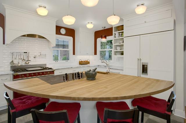 Bright Open Kitchen traditional-kitchen