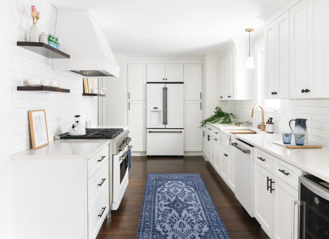 Painted Vs Stained Kitchen Cabinets, How To Get The Best Finish When Painting Kitchen Cabinets