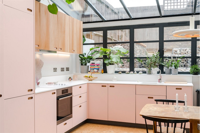 16 Rose Tinted Ideas For A Cool Pink Kitchen Houzz Ie