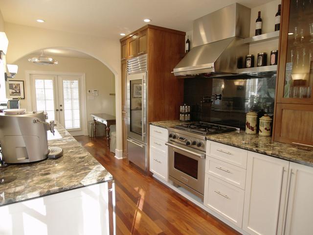 Brookemeister contemporary-kitchen
