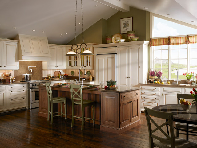Cape Cod Kitchen traditional-kitchen