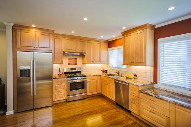 Brookhaven maple kitchen traditional kitchen san for Brookhaven kitchen cabinets
