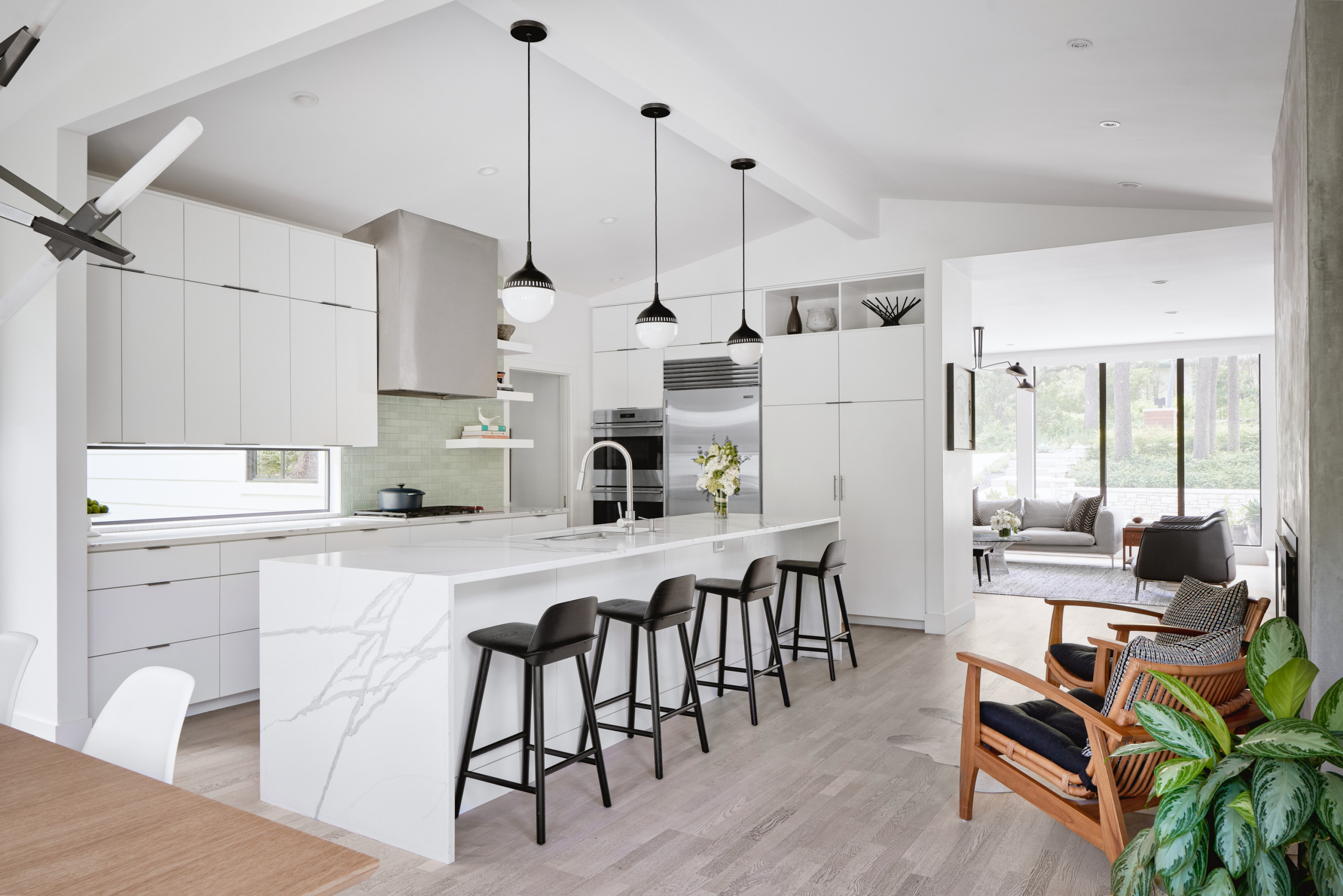 75 Beautiful Vaulted Ceiling Kitchen Pictures Ideas February 2021 Houzz