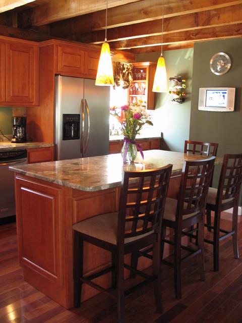 Brooks Kitchen traditional-kitchen