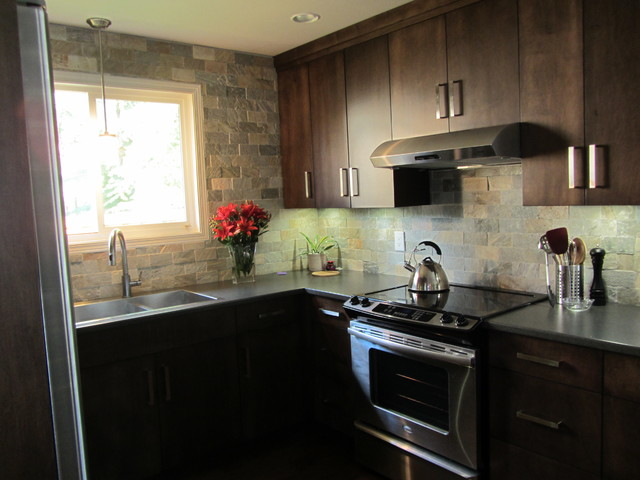 Brookswood Ranch house traditional-kitchen