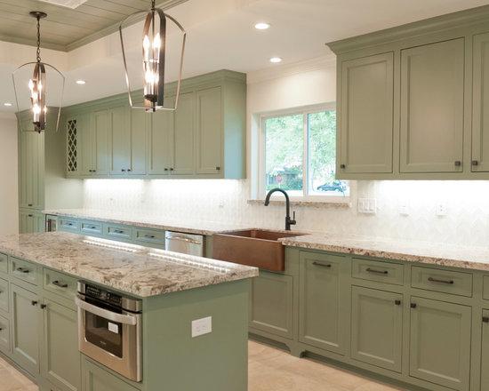 Tropical kitchen backsplash galley kitchen design ideas for Galley kitchen backsplash ideas