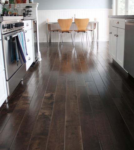 Heated floor mats under tile