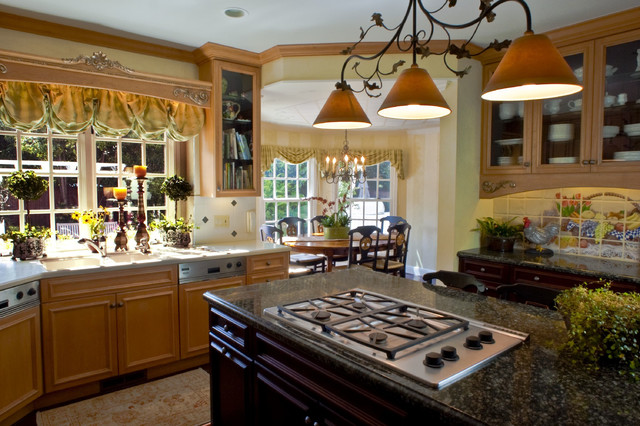 Brownhouse Design traditional-kitchen