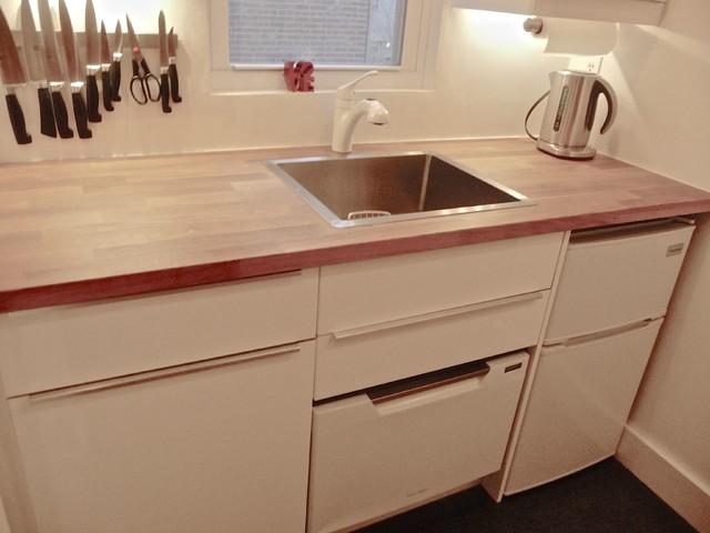 Brownstone apartment contemporary kitchen new york for Brownstone kitchen ideas