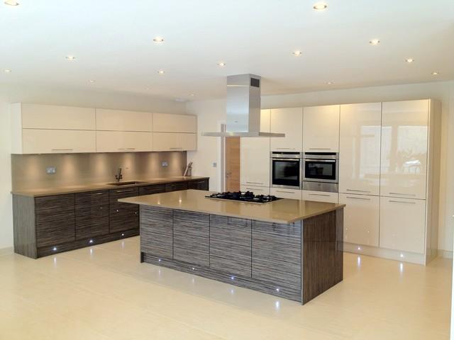 Broxbourne kitchen for Kitchen ideas zebrano