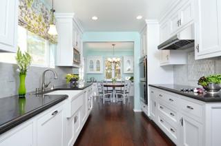 Bruce - Kitchen/Dining/Laundry