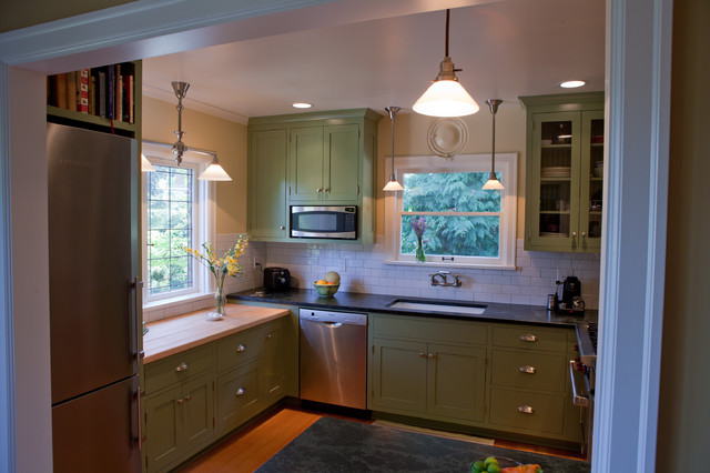 Bryant Tudor traditional-kitchen