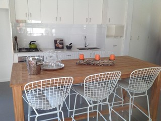 budget unit package contemporary kitchen gold coast