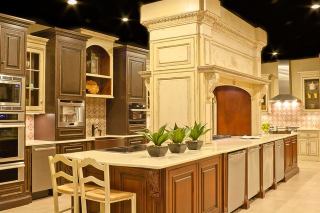 Builder Source Appliance Gallery of Santa Fe traditional-kitchen