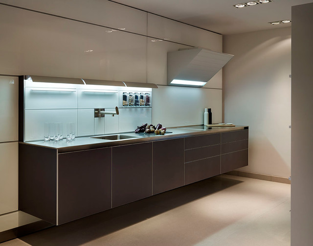 Bulthaup b3 kitchen bath showroom contemporary for Bulthaup kitchen cabinets