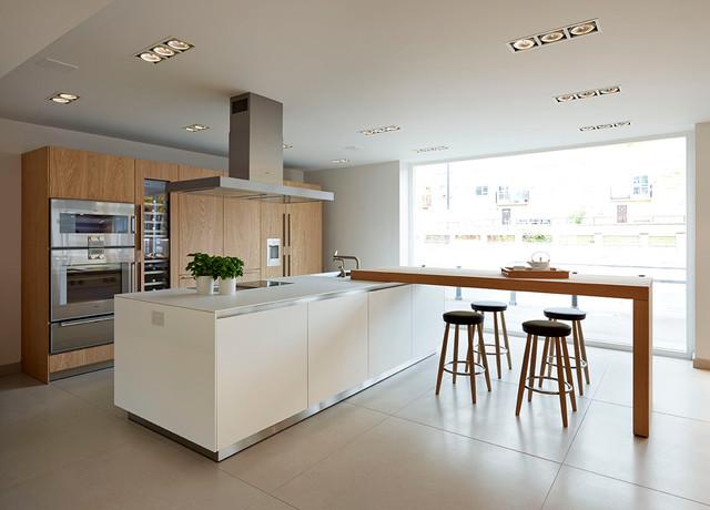 bulthaup b3 39 rough saw oak 39 bath showroom contemporain. Black Bedroom Furniture Sets. Home Design Ideas