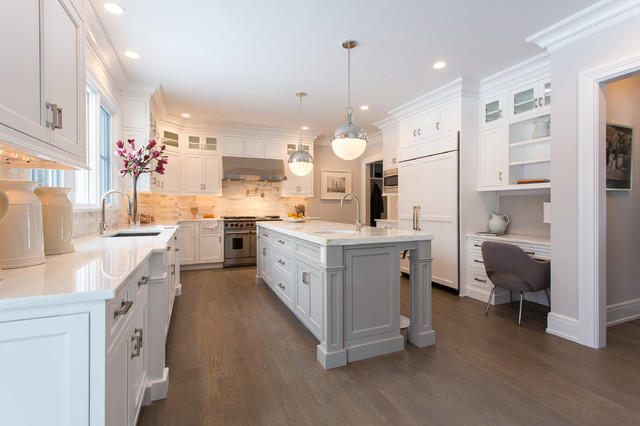 Bumble Bee Kitchen Transitional