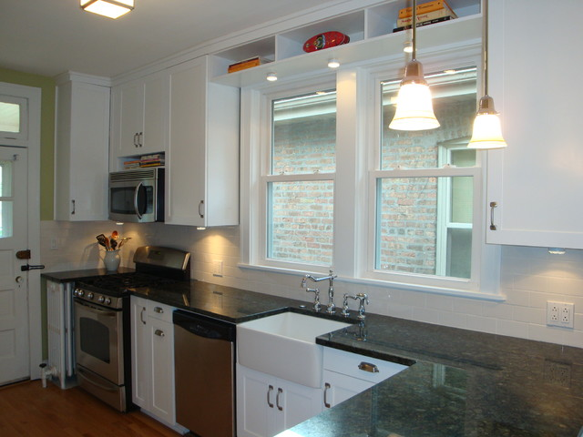 bungalow kitchen on north rockwell in chicago - traditional