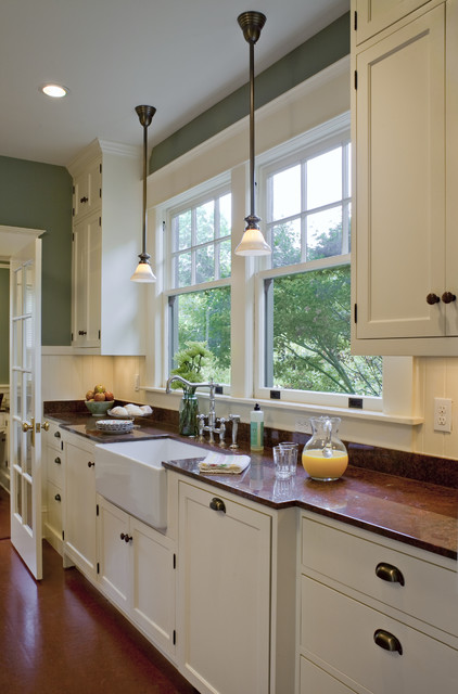 Bungalow kitchen powrie arts crafts kitchen for Arts and crafts kitchen design ideas