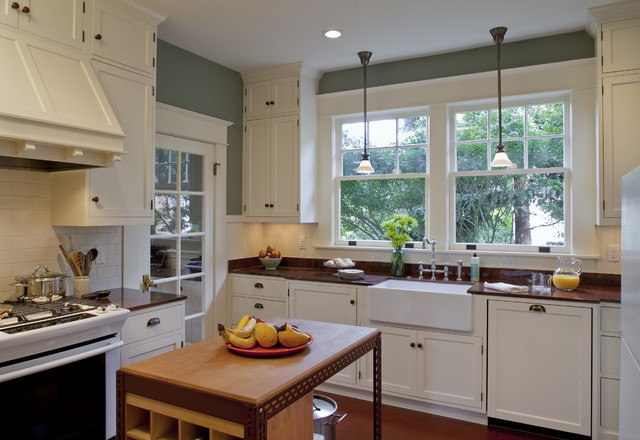 Bungalow kitchen powrie craftsman kitchen portland for Bungalow kitchen ideas