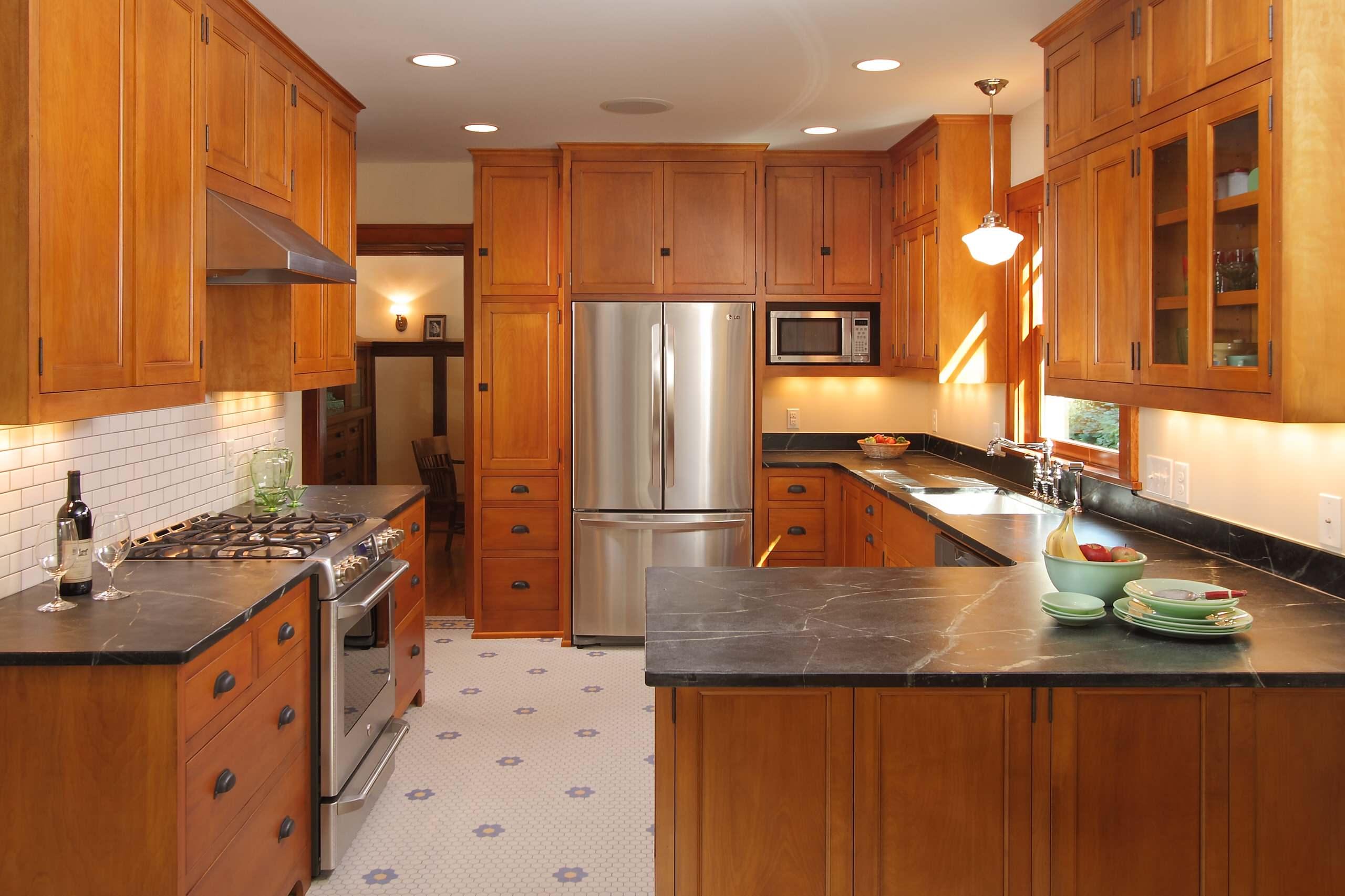 Bungalow Kitchen Houzz