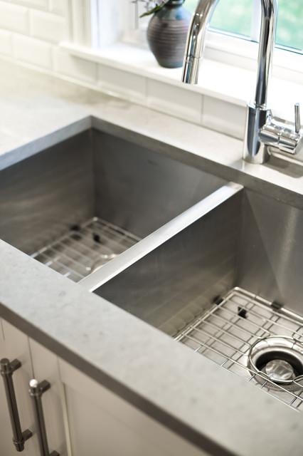 Burdette Residence contemporary-kitchen