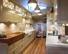 Burleigh Heads Hampton Style Kitchen traditional kitchen
