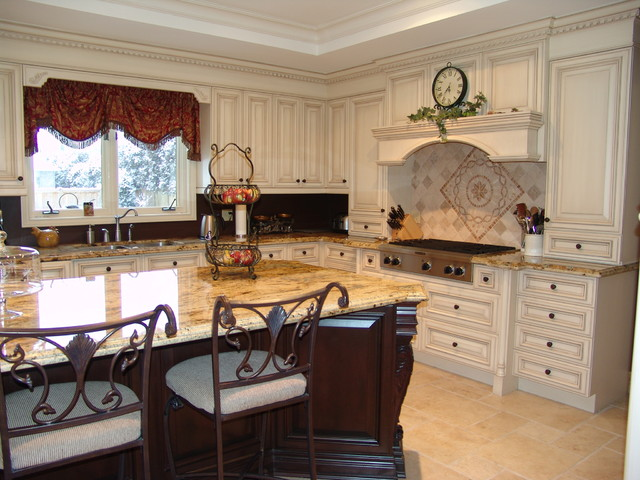 Burlington Residence - Traditional - Traditional - Kitchen - toronto - by Roma Kitchens & Design ...